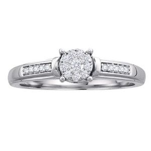 Diamond promise ring w/ heart shaped sapphire